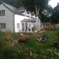 Mid-Wales retreat with dogs and chickens