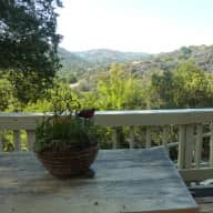 Pet sitter needed for beautiful Topanga location -non smoking