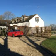 House and dog sitter required for lovely house in Hampshire countryside near Alton