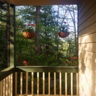 Quiet Home - 15 Minutes from Downtown Asheville