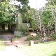 4 bedroom family friendly house - THIS WEEKEND
