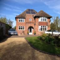 Deans Farm House - Sitter needed