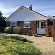 Charming bungalow, cat and chickens in pretty Bedfordshire village