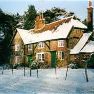 Albury near Guildford, 4 bedroom beamed cottage in countryside
