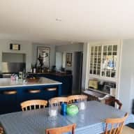 Beautiful farmhouse 5 miles from Bristol with two gorgeous dogs