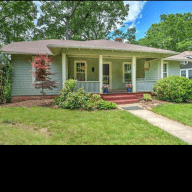 1930s vintage home close to town, hiking and restaurants!