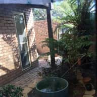 House/pet sitter required for great home and 2 dogs in Canberra Western Creek suburb