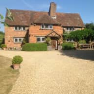 House and dog sitting in Hampshire