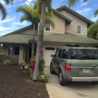 Pet & House Sitter needed for 2 Week on Maui!