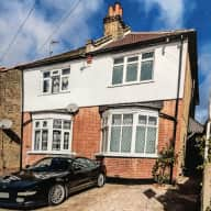 House with 2 cats. Easy access to Central London, lots of shops and restaurants nearby
