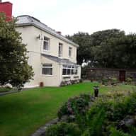 Beautiful location in Wales. Friendly Dog. September dates available