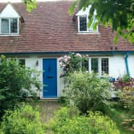Cats and hens need carers in their cottage by the river in Lewes, East Sussex, for 3 weeks during August 2017.