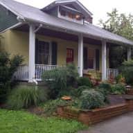 House & Pet Sitter still needed:  March 21-27, Washington DC area (Alexandria)