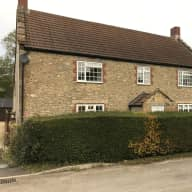 """A charming  Farm House with Log Fire Wood burner and Country side views"""""""