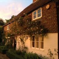 Country Farmhouse sitting in rural Kent, Caring for 2 cats & a greenhouse please.