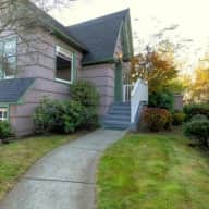 Pet/House Sitter needed in Seattle