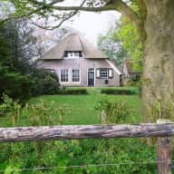 Christmas Holiday house sitter(s) needed at lovely old Dutch farmhouse for 4 cats, 2 dogs & 3 horses (house sitters already found for July 2015)