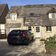 Pet Sitter needed for a lovely Labrador and 2 cats in Burford