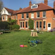 Animal loving house sitter required in Surrey