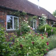 Wiltshire: House/pet sitter  short stays  Oct and Nov