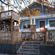 Pet Care in Charming Craftsman in North Seattle