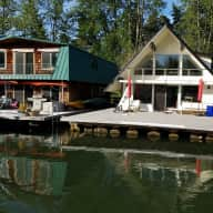 Sauvie Island Floating Home + Cat