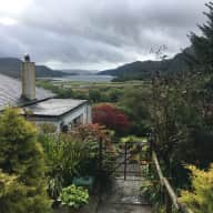 Beautiful Scottish cottage and lovable dog seek friendly, mature sitter