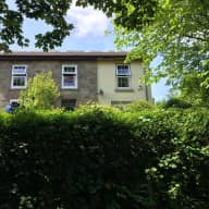 4 bed house and large garden in cornwall