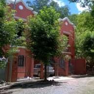 Casa al pie del cerro. Barrio 3 cerritos