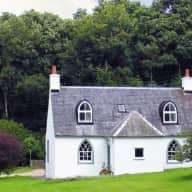 Cat & house sitter needed for lovely cottage in country estate