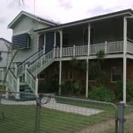 Queenslander home with 1 dog to care for.