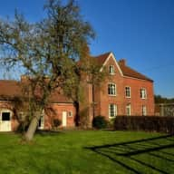 Dog, cat and chicken house sitter wanted in beautiful Ledbury