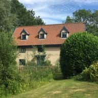 Beautiful rural Norfolk - dog, cat & chicken sitter in comfortable house on Norfolk/Suffolk border