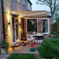 Beautiful home,stunning garden,gorgeous cat