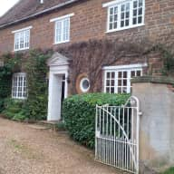 Country House in Northamptonshire village with 2 labradors.