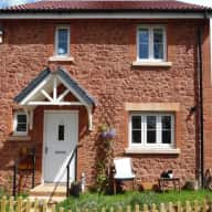 3 bedroom, semi detached, new build (4 yrs old) house with parking and gardens. 15minutes from Dawlish Beach, town centre.