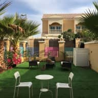 Cute townhouse in jumeirah village circle with 2 loving kitties