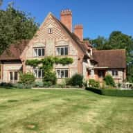 Couple Needed for Idyllic spot and adorable pets in Henley on Thames