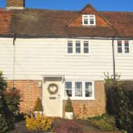 East Sussex: Christmas cat sitting in a pretty English country cottage?