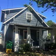 Lovely home in North Portland with 2 cats and 1 dog