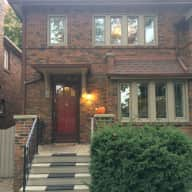 Sweet Dog, Lovely Home in Toronto- Christmas - New Year dog-sit needed