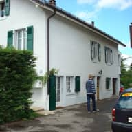 Lovely house with large garden, view of Mont Blanc, bus across the street