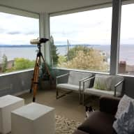 Summer in Seattle: care for 2 cats in a beautiful home overlooking the Sound