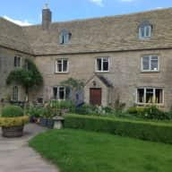 Pet and house sitter Cotswolds