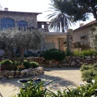Pet/House Sit Villa Near Sea Big Garden