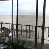 Apartment right on the beach with stunning ocean views
