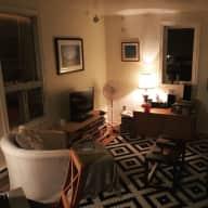 Lovely 2 bedroom & Very Sweet Cat in heart of Toronto