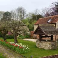 House sitter needed for large Cotswolds house with two self catering cottages