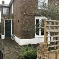 Pretty house in heart of Barnes village (London)