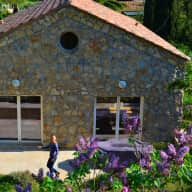 French Riviera home complete with sweet cat needs you!